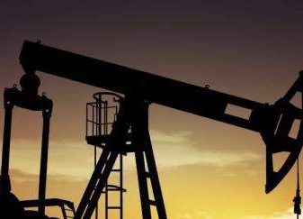 مخزونات النفط العالمية تُواصل ارتفاعها متجاوزة متوسط السنوات الخمس الأخيرة