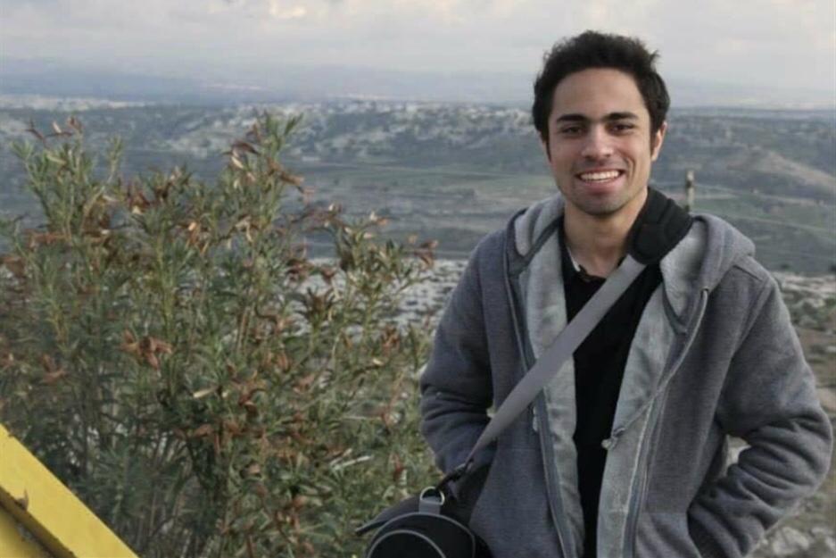 شادي أبو زيد: السخرية خلف القضبان