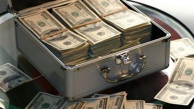 تحقيقات مكثفة بدأت في ملف تحويل سياسيين مليارات الدولارات للخارج