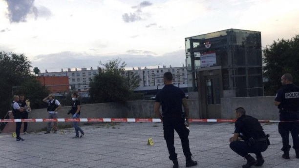 فرنسا: قتيل و9 مصابين في عملية طعن بمدينة ليون