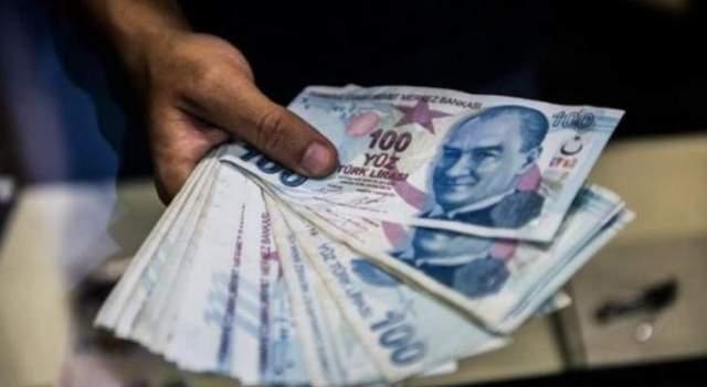 الليرة التركية تتراجع إلى أدنى مستوياتها في أكثر من شهر بفعل مخاوف سوريا وتحذير ترامب