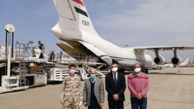 طائرة عسكرية مصرية وصلت إلى بيروت