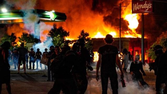 ضحية جديدة برصاص الشرطة الأميركية... والاحتجاجات تشتعل من جديد