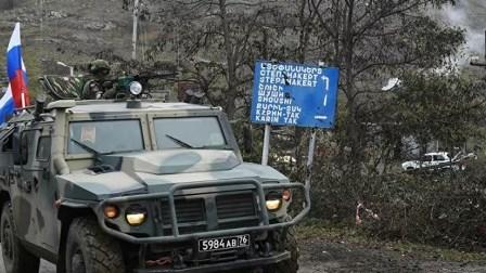 سبوتنيك: إصابة ضابط روسي و4 من موظفي الطوارئ في قوات حفظ السلام بانفجار لغم في قره باغ