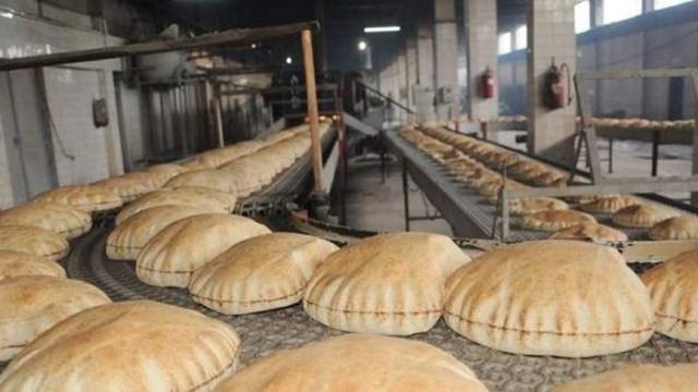 نقابة عمال المخابز في بيروت وجبل لبنان: ضد أي زيادة على سعر ربطة الخبز أو إنقاص الوزن