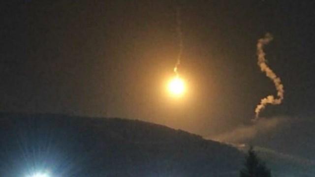 العدو يلقي قنابل مضيئة فوق تلال كفرشوبا