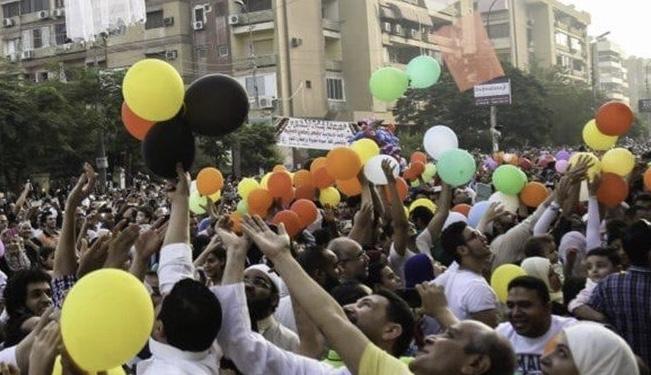 تحديد موعد عيد الفطر يثير جدلاً كبيرًا في مصر!