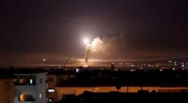 سانا: الدفاعات الجوية تتصدى لأهداف معادية استهدفت جنوب دمشق