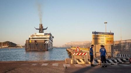 عمال ميناء إيطالي يرفضون تحميل أسلحة على متن سفينة متجهة إلى كيان الاحتلال الإسرائيلي