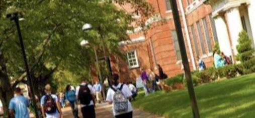 السبب الحقيقي وراء انخفاض مدخول الجامعات الخاصة: هل يدفع الطلاب الثمن؟