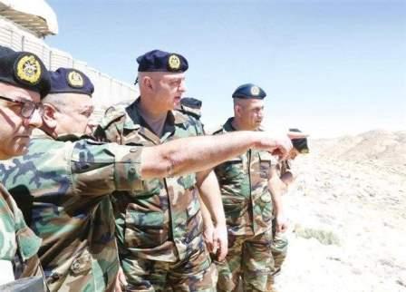العماد جوزيف عون يجول على المراكز التي استعادها الجيش من داعش بالجرود