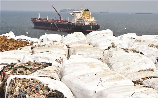 ملف النفايات.. من كارثة إلى أكبر