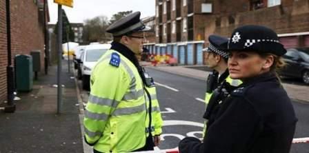 شرطة لندن تفحص عبوة مريبة قرب جسر ويستمنستر