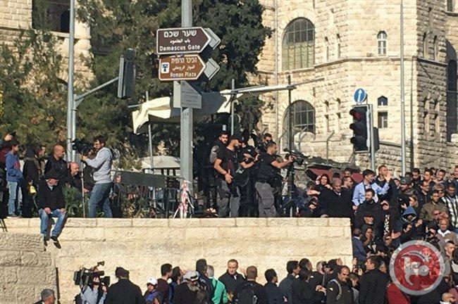 بالفيديو - قوات الاحتلال تعتدي على الفلسطينيين في الاراضي المحتلة!