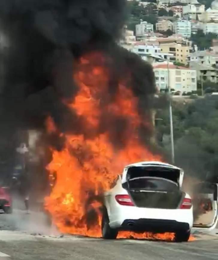 إحتراق سيارة على أوتوستراد كازينو لبنان باتجاه بيروت وحركة المرور ناشطة