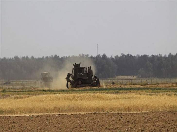 جرافات عسكرية إسرائيلية توغلت بشكلٍ محدود شرقي رفح جنوبي قطاع غزة