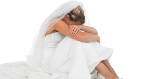 فرحة زفاف تتحوّل الى مأساة... ماذا حصل خلال الرقصة التي صممتها العروس؟