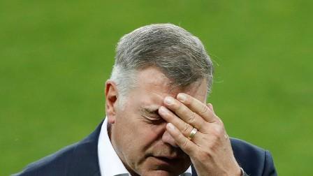 ألاردايس يستقيل من تدريب المنتخب الإنجليزي !