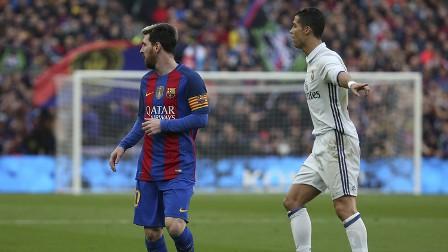 برشلونة يحلم بانتزاع الصدارة من غريمه ريال مدريد ولو موقتا