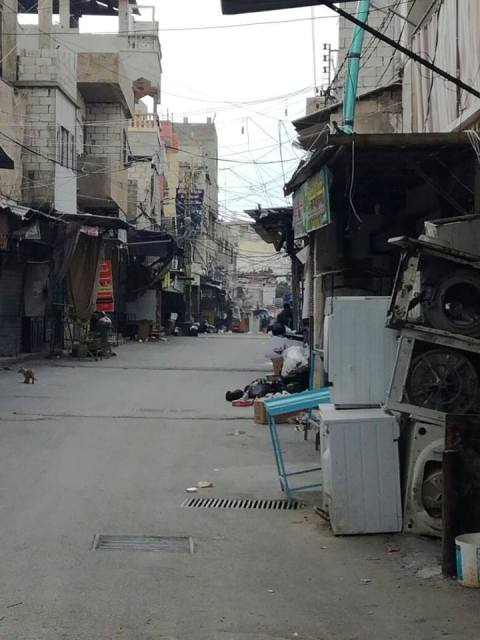 أضرار مادية في سقوط قذيفة على منزل المواطن رياض زيدان في مخيم عين الحلوة
