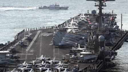 كوريا الشمالية تدمر حاملة طائرات أمريكية في شريط دعائي!