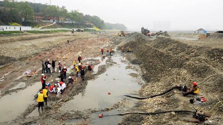 نهر الذهب في الصين
