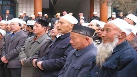 الصين تحظر اللحى والنقاب