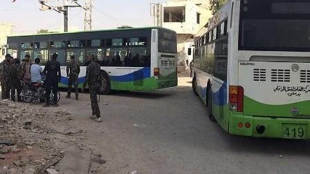 خروج قافلة حافلات تقل مسلحين من الزبداني ومضايا ووصول قافلة الفوعة إلى الراشدين غرب حلب