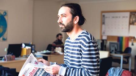 تركيا: اعتقال صحفي شكك في شرعية نتائج الاستفتاء