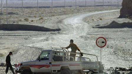 مقتل عدد من الجنود الإيرانيين في اشتباكات مع مسلحين على الحدود مع باكستان