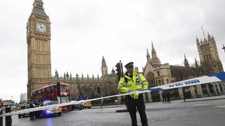 انتشار كثيف للشرطة واعتقال مشتبه به في وسط لندن