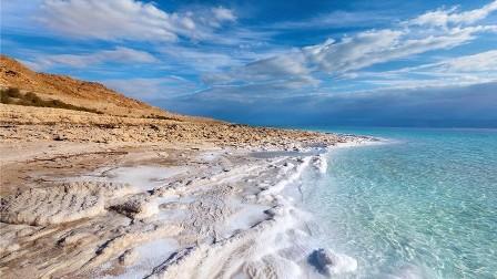 اكتشاف آثار كارثة قديمة في البحر الميت