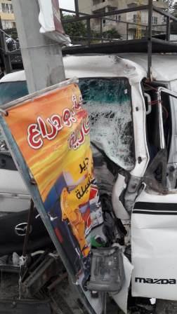بالصور: حادث سير عند جسر الرميلة باتجاه مدينة صيدا