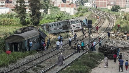 الكشف عن تفاصيل وفاة مستشار وزير النقل المصري بعد حادث اصطدام قطارين