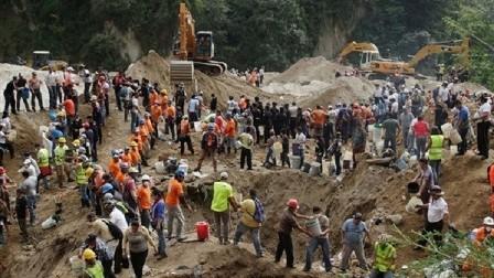مقتل المئات بانزلاق طيني في سيراليون