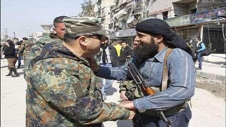 انضمام 7 قادة ميدانيين وأكثر من ألف مسلح معارض للجيش السوري