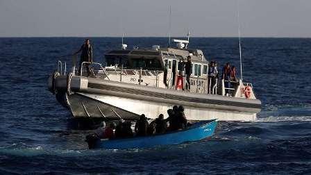 مقتل 8 أشخاص في حادث تصادم بين سفينة تونسية وزورق مهاجرين