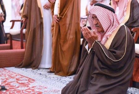 بالصور.. مسؤولون خليجيون يشيعون ضحايا المروحية السعودية