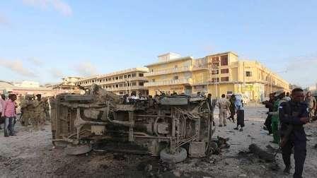 مقتل 13 شخصا في هجوم انتحاري في مقديشو