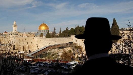 منظمة التحرير الفلسطينية تدرس إعلان حدود 67