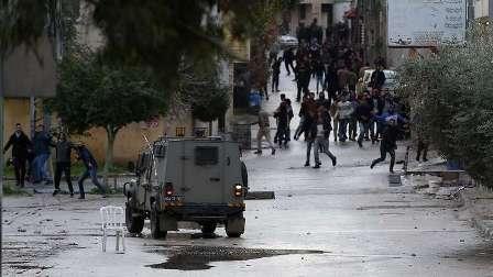 قوات العدو الاسرائيلي تعتقل عددا من الفلسطينيين بالضفة بينهم نائب في التشريعي