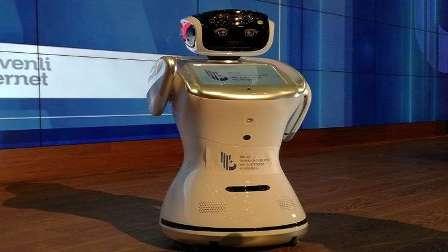 إسكات روبوت قاطع وزيرا تركيا