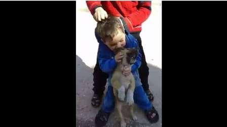 إذا أردت أن تعي أهم درس في الصحافة شاهد ما فعل هذا الطفل!