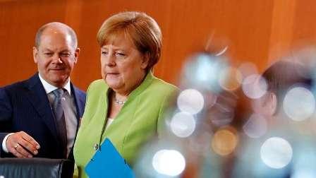 ميركل: سنواصل احترام الاتفاق النووي مع إيران