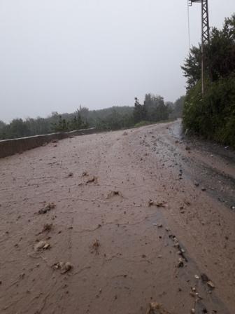 الأمطار الغزيرة ادت الى انهيارات وقطع طريق في اعالي جرود الضنية
