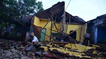زلزال بقوة 6.6 درجة يضرب جزيرة لومبوك في إندونيسيا