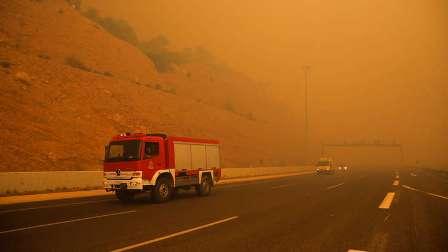 حصيلة ضحايا حرائق اليونان تقترب من 100 شخص