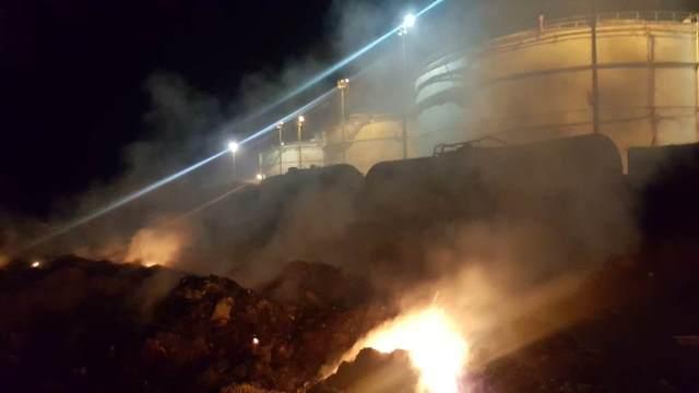 حريق بالقرب من خزانات الفيول في معمل الجية ومناشدات لاخماده