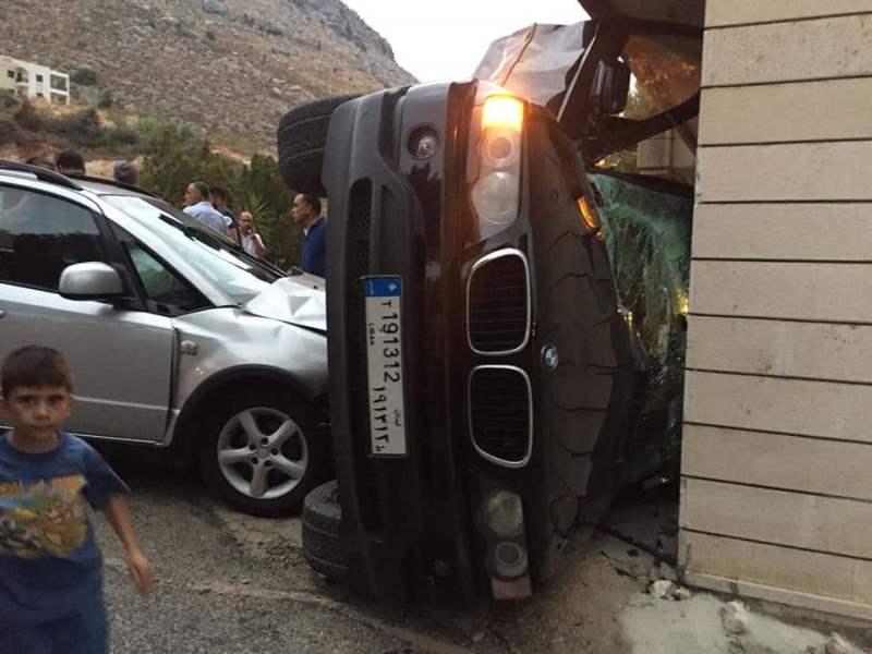 جريحان في حادث سير على طريق عام رشدبين كوسبا