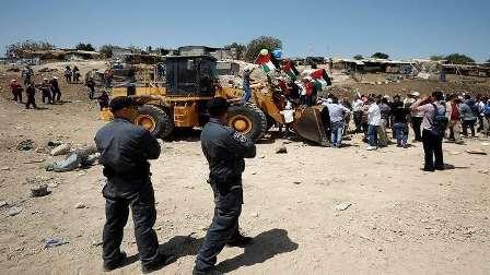 ساعات حاسمة مع اقتراب موعد هدم  جيش العدو الإسرائيلي لقرية